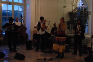 Nymphenspiegel Balkan-Fest mit der Gruppe Bazar Dilo auf Schloss Dachau